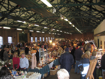 Antiques & Collectables Fair